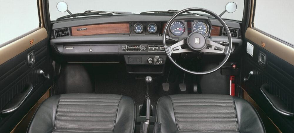 シビック CVCC 1975年式の内装