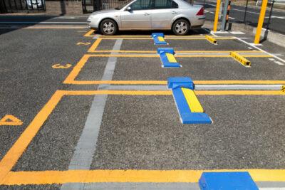 「前向き駐車」を誤解してない?4割の人が間違えている正しい駐車の仕方とは