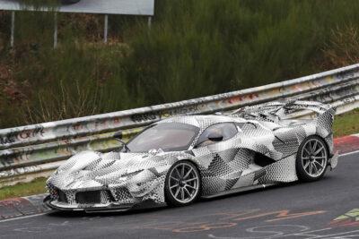 スクープされたフェラーリ FXX K エボ プロトタイプの正体は公道仕様か?