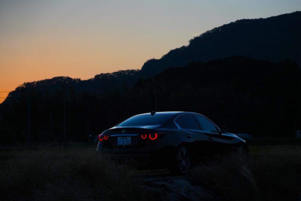 スカイライン GT Type SP ハイブリッド 2WD 夕方の後ろ姿