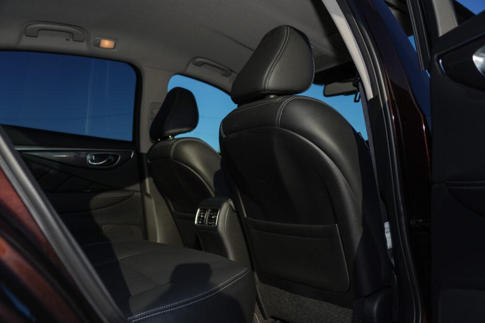 スカイライン GT Type SP ハイブリッド 2WD 内装・後席から前方方向