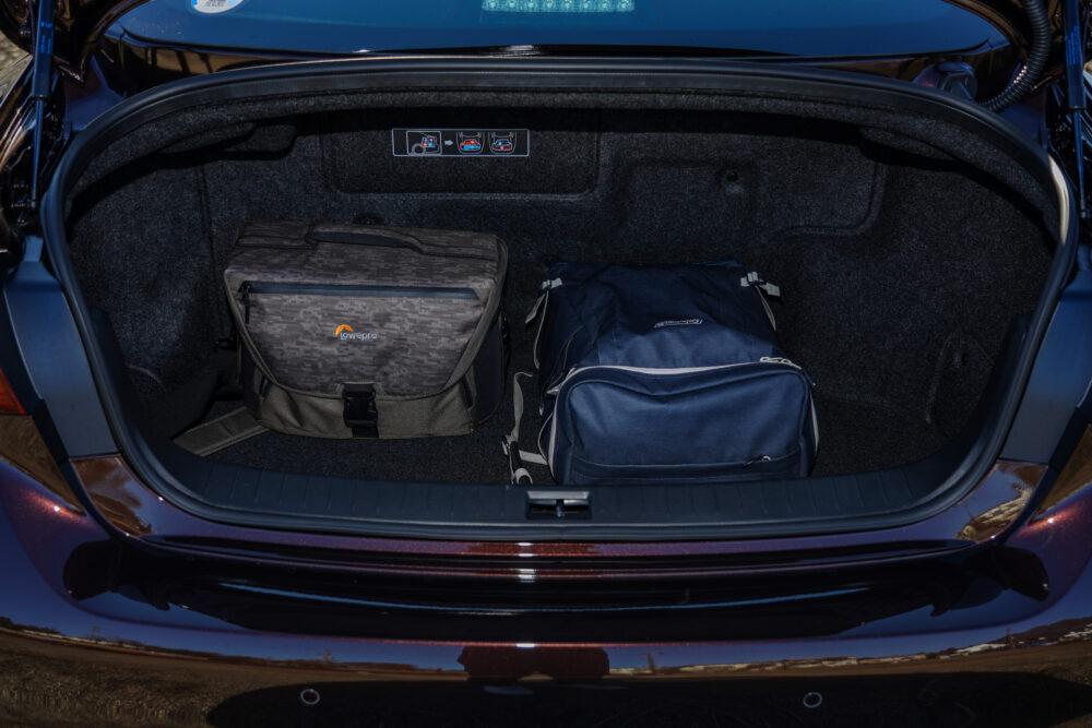 スカイライン GT Type SP ハイブリッド 2WD トランク