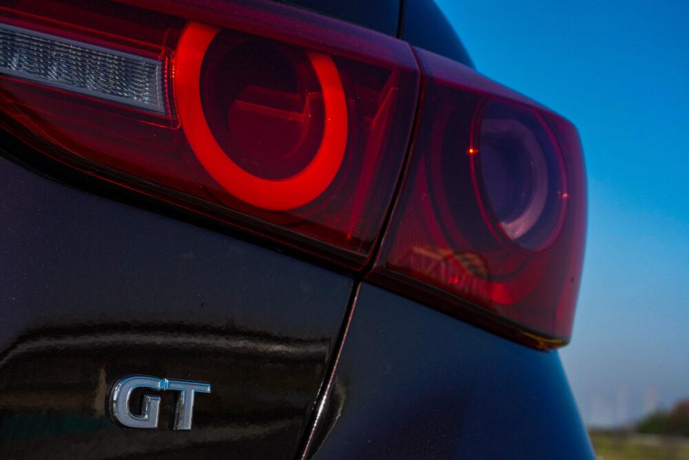 スカイライン GT Type SP ハイブリッド 2WD エンブレム・テールランプ