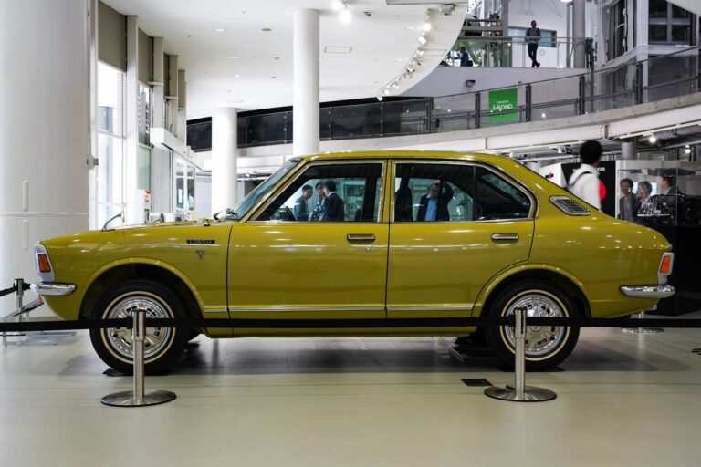 トヨタ カローラ TE20型 サイド