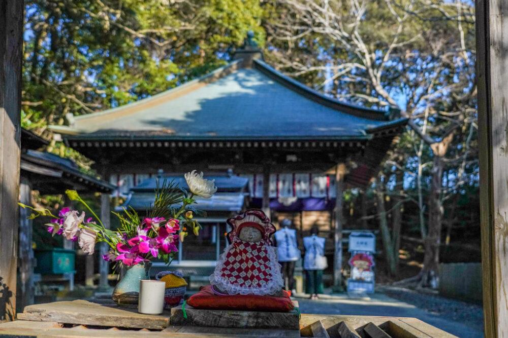 お遍路 第2番札所 極楽寺の大師堂と抱き地蔵様