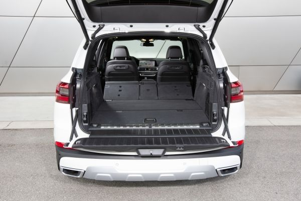 bmw x5 xdrive トランク