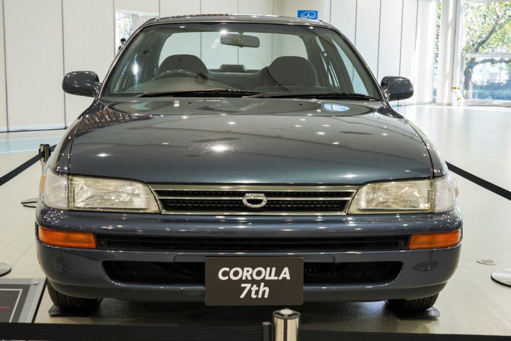 トヨタ カローラ 7代目 1.5L 4ドアセダン SE-L 外装