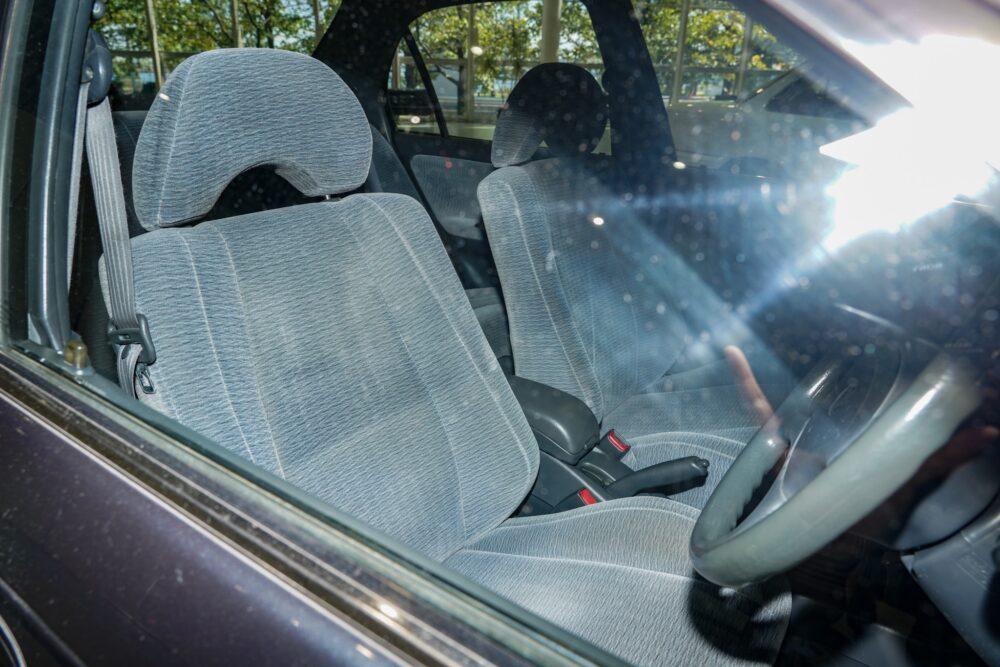 トヨタ カローラ 7代目 1.5L 4ドアセダン SE-L 内装