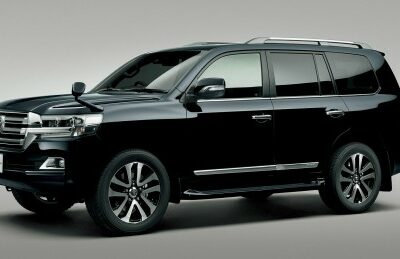 【トヨタの高級車価格ランキング】燃費やスペックも紹介!最も高いのは?