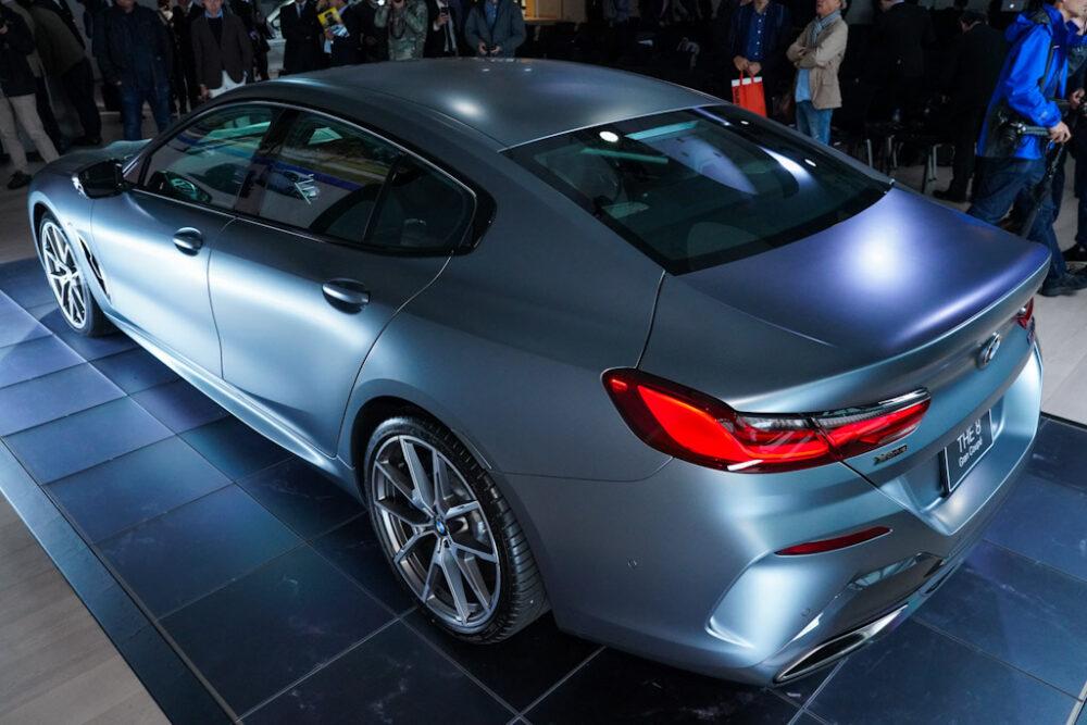 新型BMW 850i グラン クーペの後方斜め後ろからのデザイン