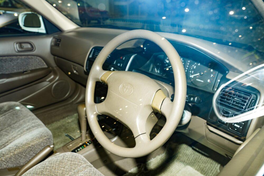 トヨタ カローラ 8代目 110系 ステアリングホイール