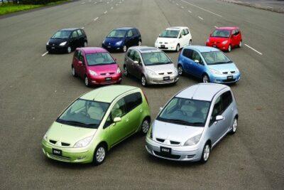 【三菱コルトはコスパ最高?】実燃費や内装&試乗の評判・中古車価格について