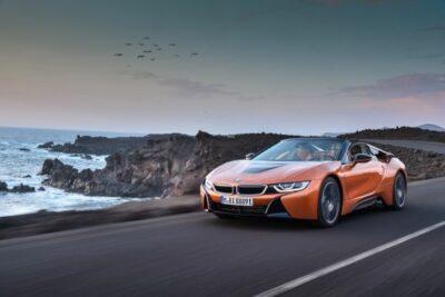 BMW i8&新型i8 ロードスター日本発売開始!スペックや価格とi8sについても