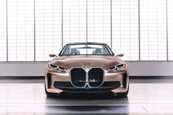 BMW コンセプトi4 フロント