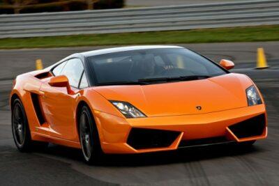フェラーリやマクラーレン等のスポーツカーからMT車が消えた?その理由とは
