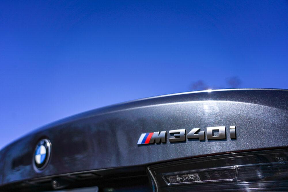 BMW M340i 「M」の称号のバッヂ