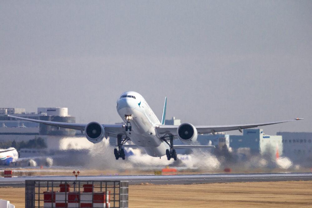成田空港からの離陸風景