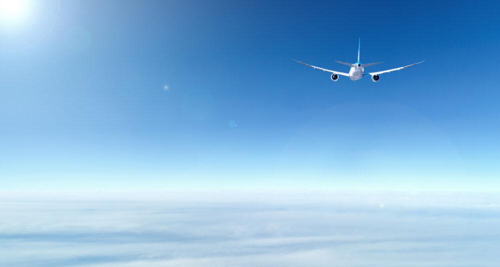 飛行機 青空