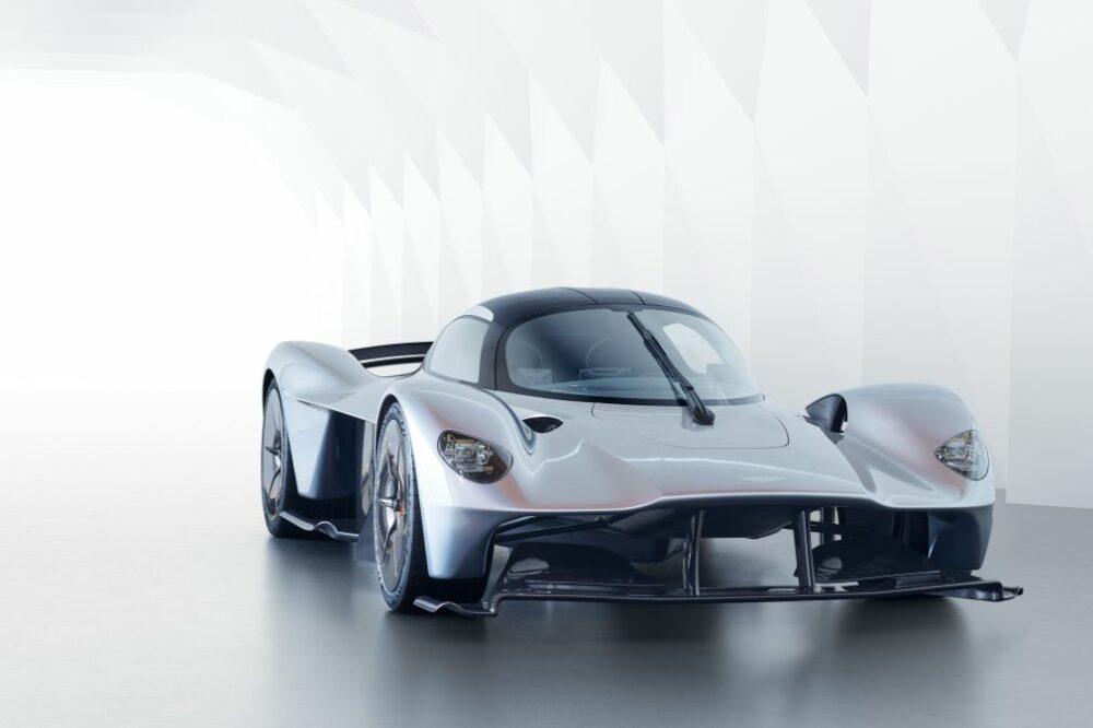 3億円超えのアストンマーティン ヴァルキリーはすでに完売!究極のハイパーカーの驚愕のスペックとは