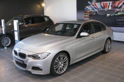 【BMW 3シリーズ】320iセダン/320iツーリング/グランツーリスモの実燃費やスペックから価格など