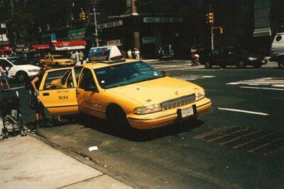 アメリカのパトカー&タクシー!シボレー・カプリスの中古車価格や燃費とカスタム等まとめ