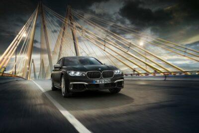 【BMW 7シリーズ】価格や実燃費と内装からカスタムや試乗の評価とハイブリット車についても