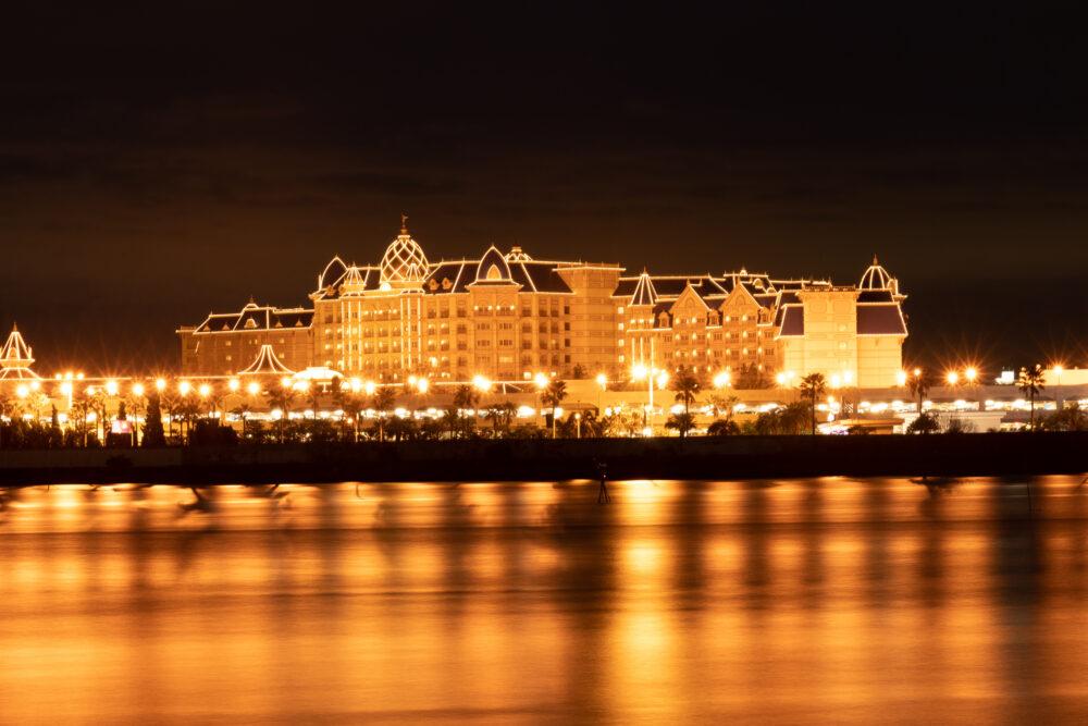 夜のディズニーホテル