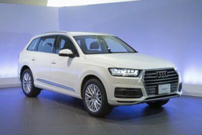 アウディQ7新型 発売開始!Audi7人乗りSUVの性能と燃費や価格は?