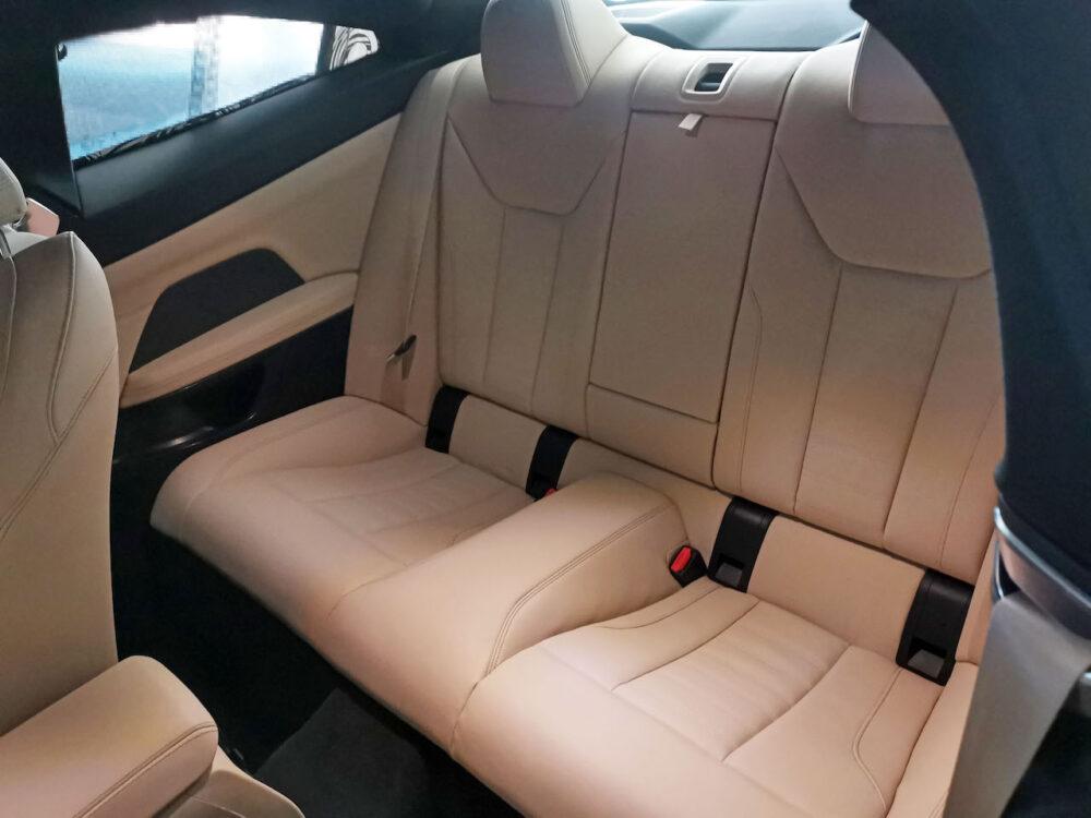 次期新型BMW 4シリーズ プロトタイプ リアシート