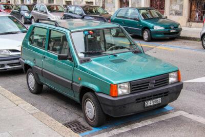フィアット・パンダまとめ|初代から全世代を紹介!中古車価格と故障や燃費など維持費も!