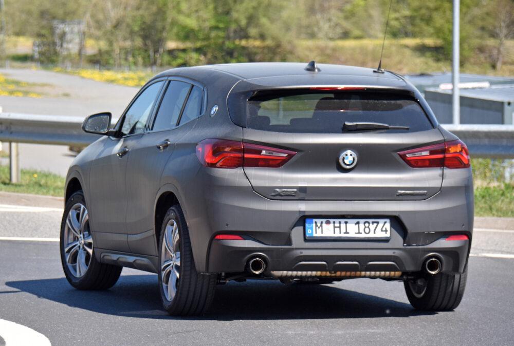 改良新型BMW X2 テスト車両 スパイショット サイド・リア