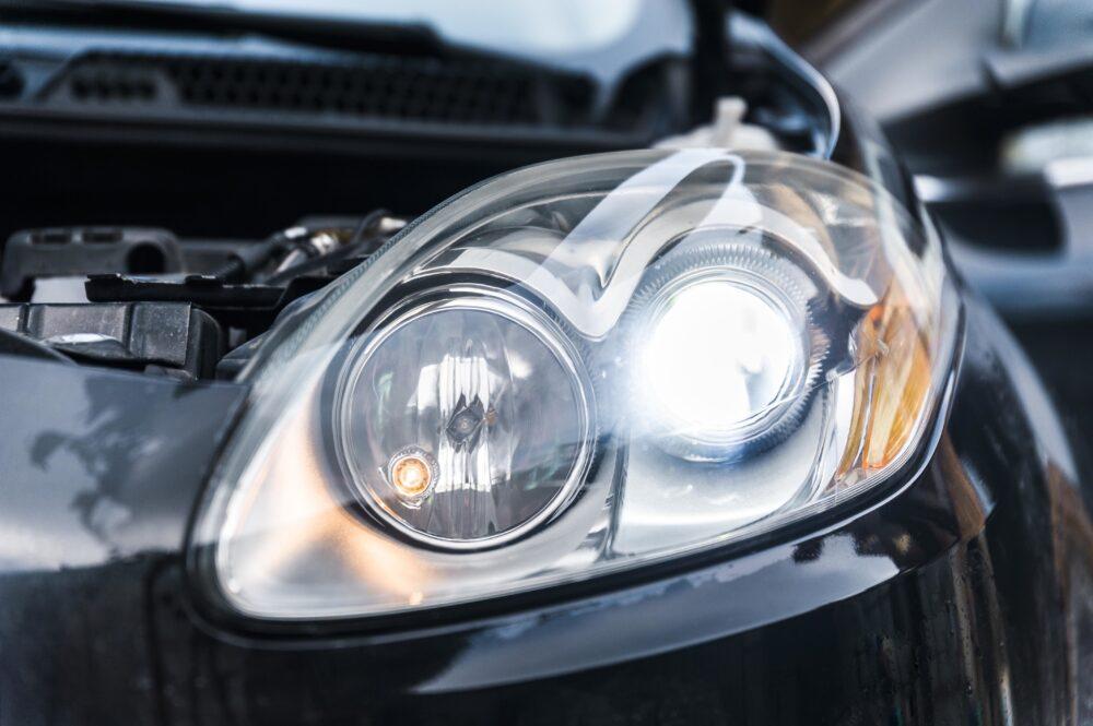 LEDバルブを搭載した車