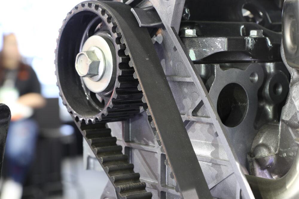 エンジンのタイミングベルト