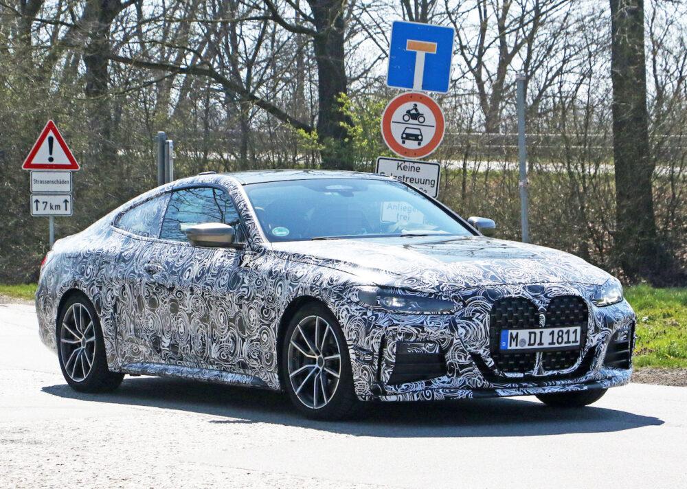 次期新型BMW 4シリーズ Mパフォーマンス スパイショット フロントとボディサイド