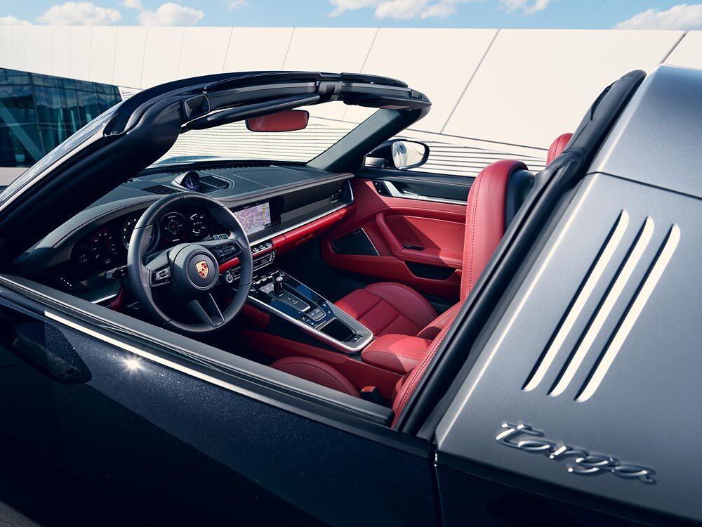 新型ポルシェ 911 タルガ インテリア