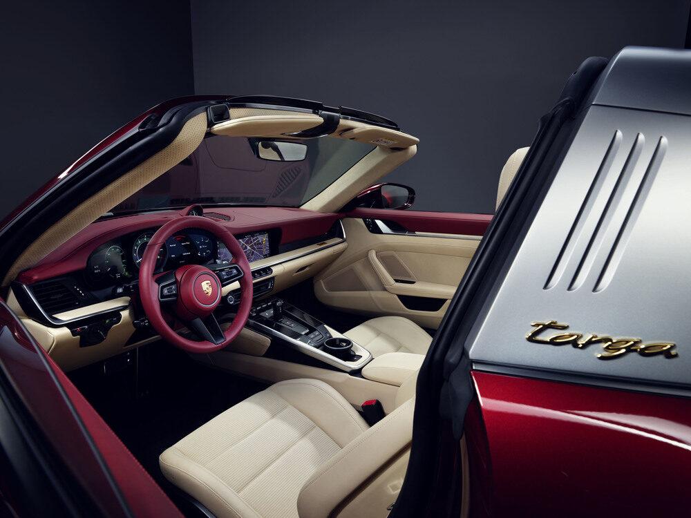 ポルシェ 911タルガ4S ヘリテージデザインエディション インテリア