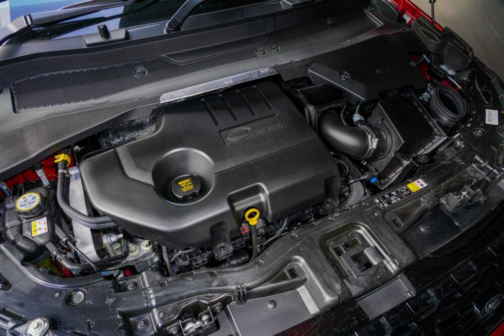 新型ランドローバー ディスカバリー スポーツ Rダイナミック D180 2020年モデル エンジンルーム