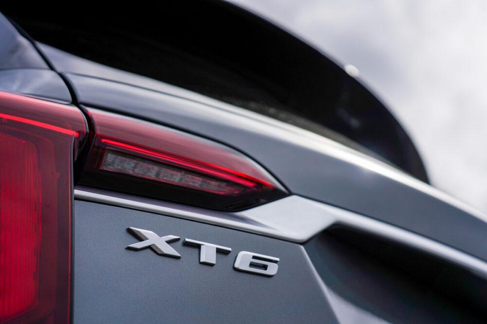 キャデラック XT6 ナイトクルーズ エディション XT6のバッジ