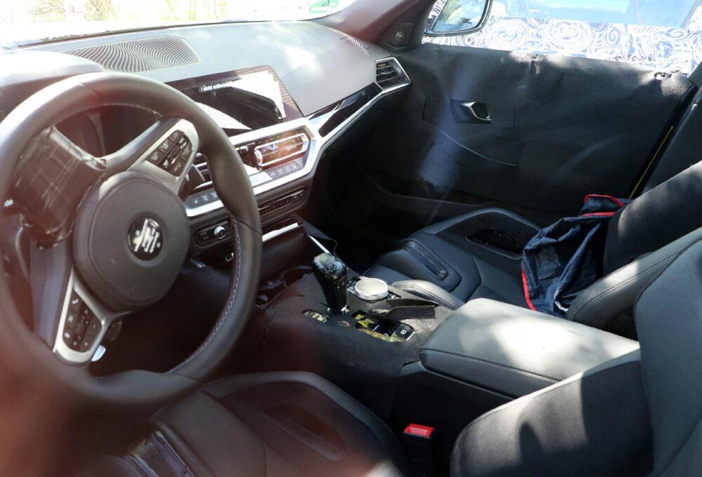 次期新型BMW M3 CS プロトタイプ スパイショット インテリア