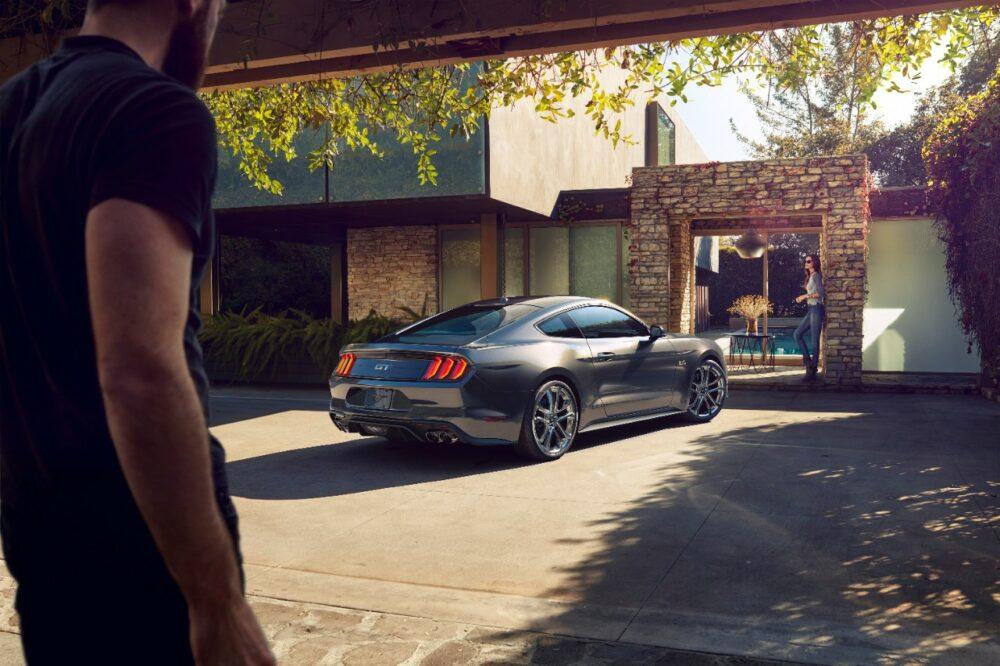 フォード マスタング 2020年モデル リアサイド