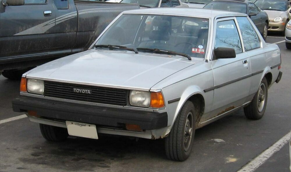 4代目 トヨタ カローラ 2ドアセダン