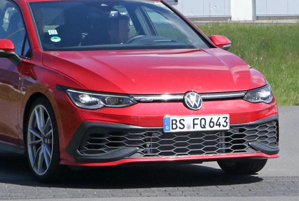 新型フォルクスワーゲン ゴルフ GTI TCR プロトタイプ スパイショット フロント部拡大