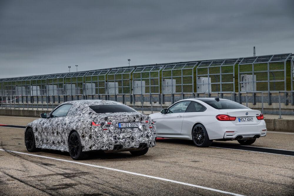 次期新型 BMW M4クーペ 公式リーク 右は現行モデル リア