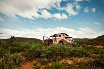 普通車と軽自動車の廃車手続き 事故車や不動車も売却できる?