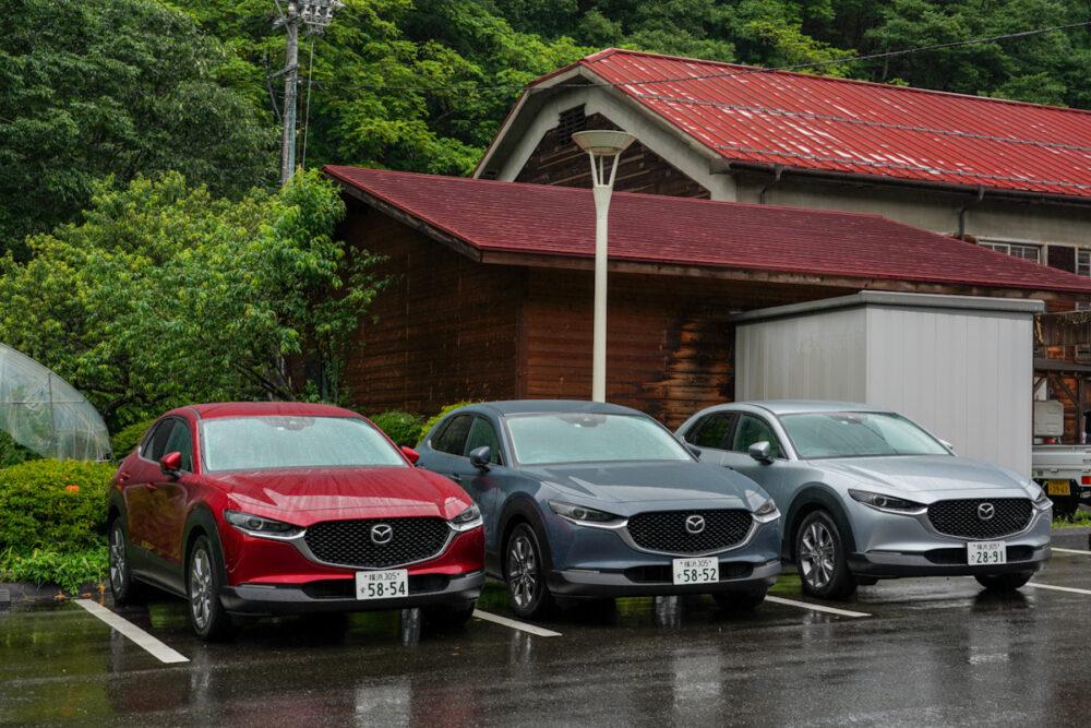 信州木曽ふるさと体験館 駐車場に並ぶ3台のCX-30