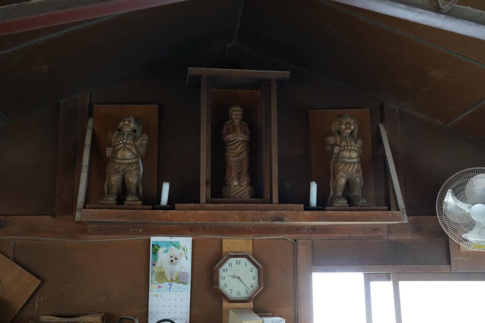 松本民芸家具工房内に祀られる聖徳太子