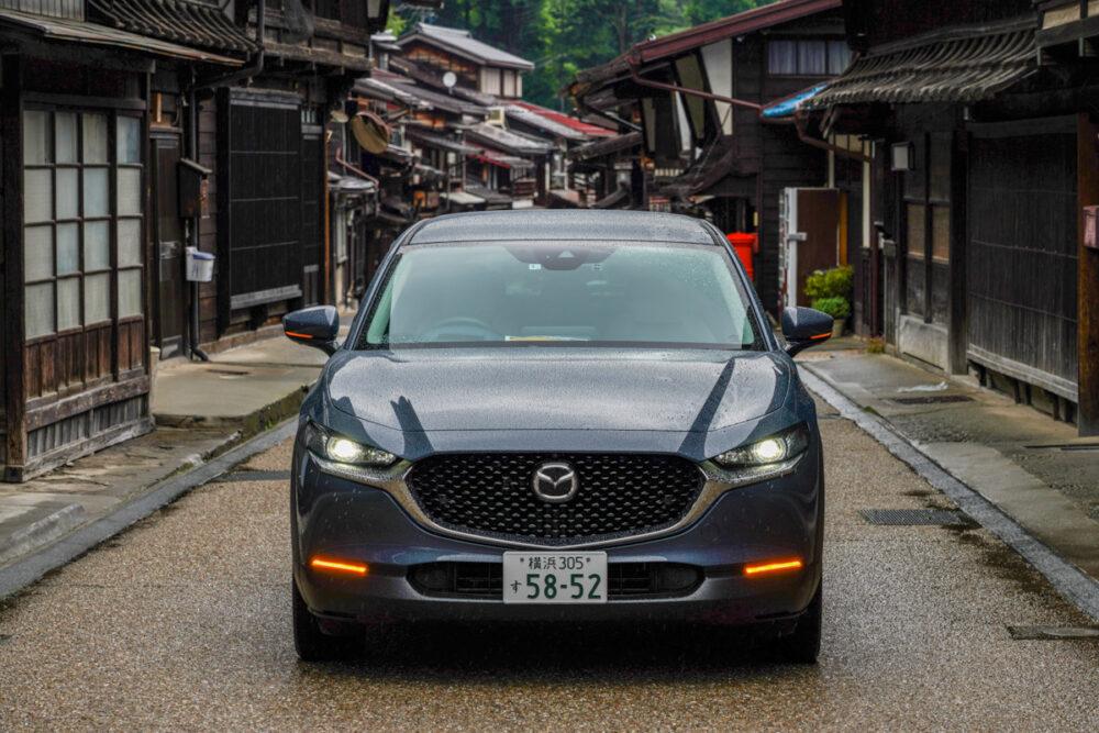 奈良井宿で撮影したマツダCX-30 フロントマスク