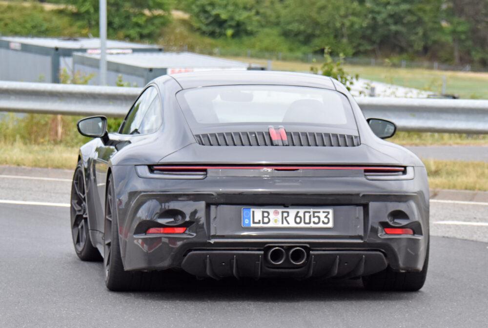 新型ポルシェ 911 GT3ツーリング プロトタイプ スパイショット リア