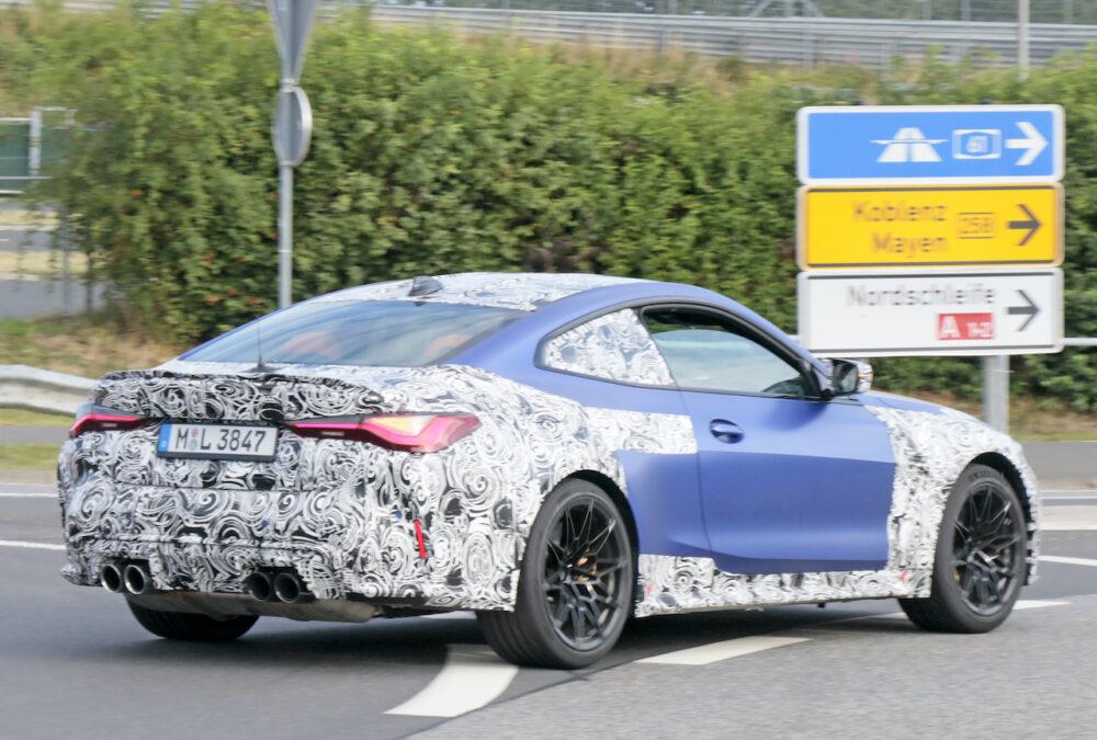 次期新型BMW M4クーペ プロトタイプ スパイショット リアサイド