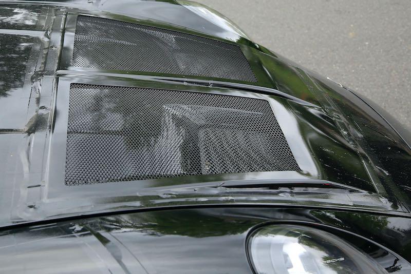 次期新型ポルシェ 911 GT3 RS プロトタイプ スパイショット ボンネット